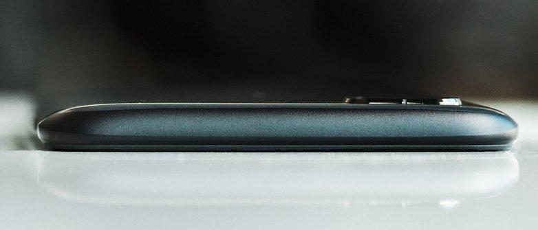 پشت گوشی موبایلOnePlus 5 با انحنای کم. © فون پدیا