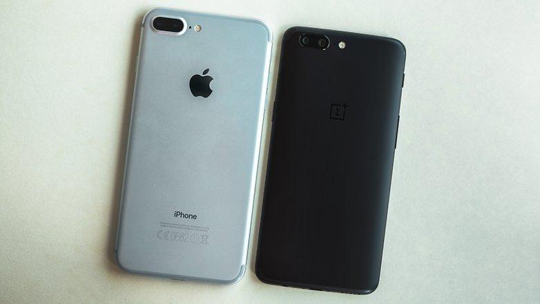 شباهت های طراحی بین گوشیOnePlus 5 وiPhone 7 Plus. © فون پدیا
