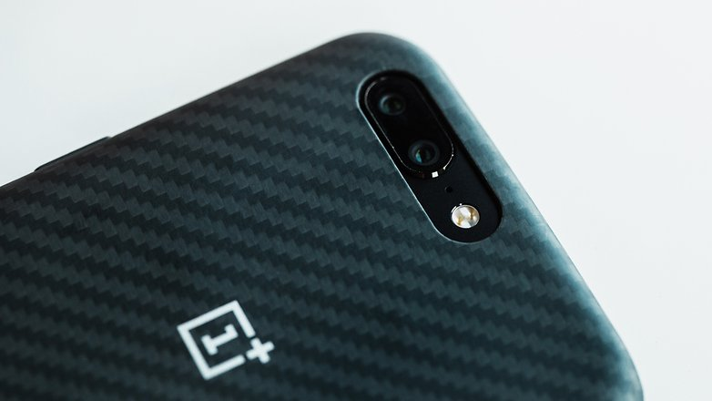 دوربین دوگانه و زوم بی افت کیفیت در گوشی موبایلOnePlus 5.© فون پدیا
